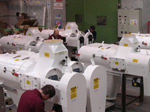 800 in manufacture